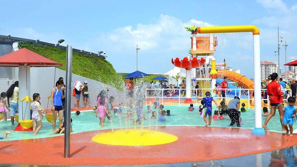 Splash N Surf @ Singapore Sports Hub